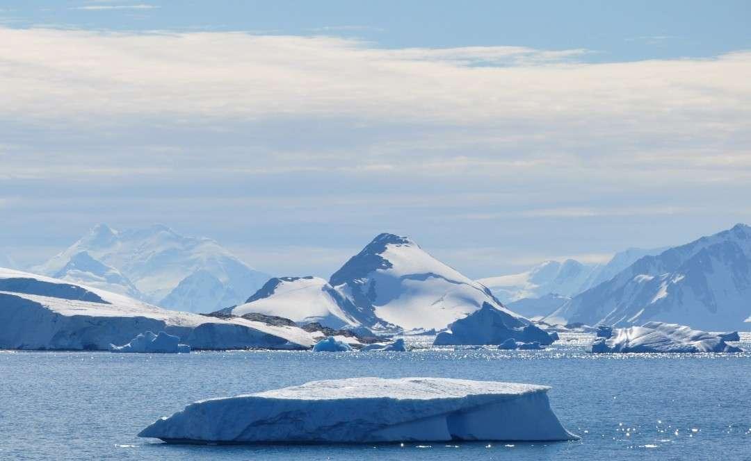 "Cruise ""Emblematic Antarctica"" – Ponant"